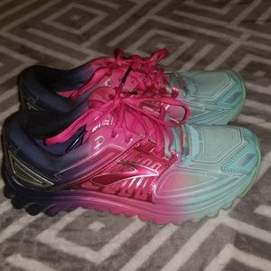 Brooks running shoes 6.5